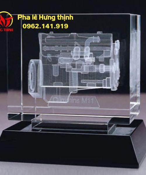 Khắc 3D trong khối pha lê linh kiện máy