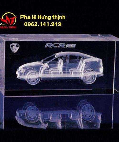 Khắc 3d hình xe hơi trong pha lê
