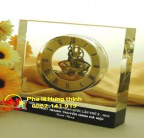 Đồng hồ pha lê Mẫu 03