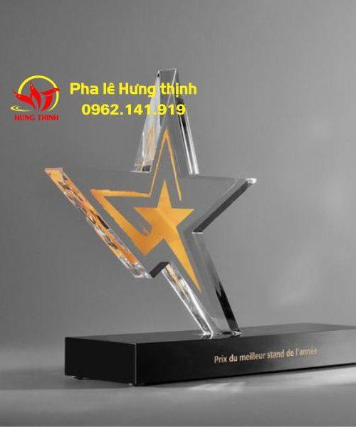 kỷ niệm chương pha lê ngôi sao 16