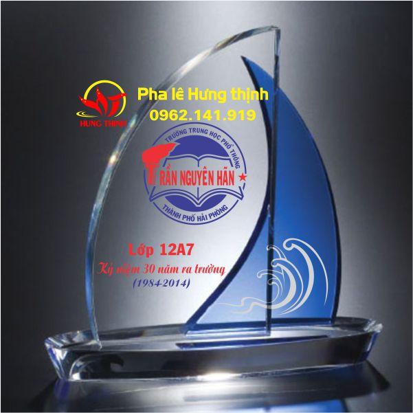 kỷ niệm chương pha lê thuyền buồm đôi