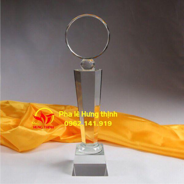 Một sản phẩm của phalehungthinh.com – đơn vị chuyên sản xuất cúp pha lê tại Hà Nội