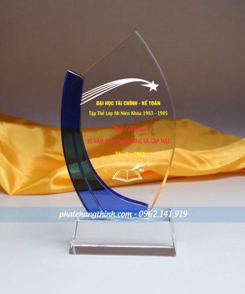 Kỷ niệm chương pha lê sen xanh 1