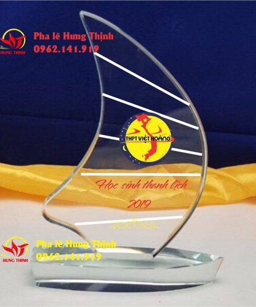kỷ niệm chương pha lê thuyền buồm mẫu 1