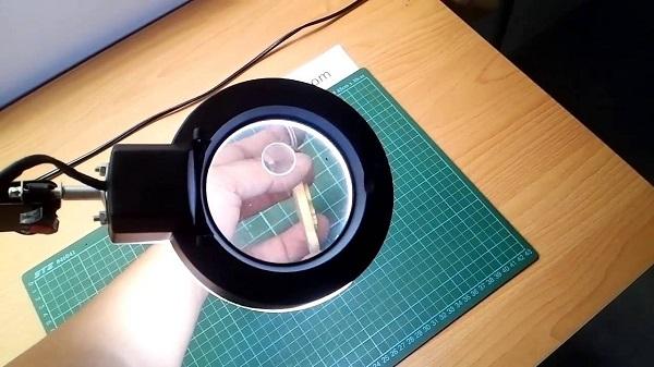 Nguyên lý hội tụ ánh sáng là cách để hình thành nên pha lê khắc 3D