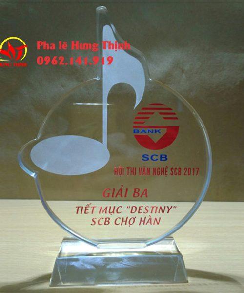 kỷ niệm chương pha lê hình tròn mẫu 8