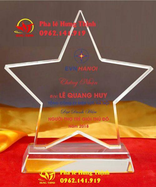 kỷ niệm chương pha lê ngôi sao mẫu 6a