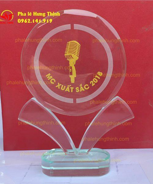 sản xuất kỷ niệm chương pha lê mẫu 11