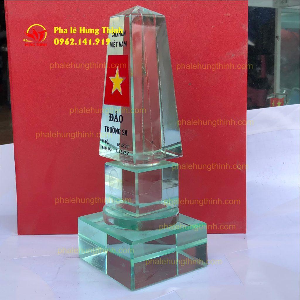 sản xuất kỷ niệm chương pha lê mẫu 14a
