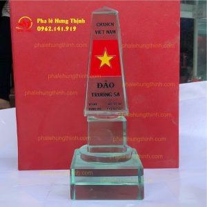 sản xuất kỷ niệm chương pha lê mẫu 14 b