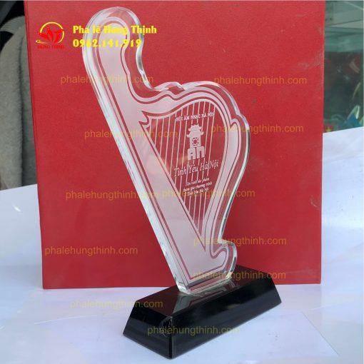 sản xuất kỷ niệm chương pha lê mẫu 17