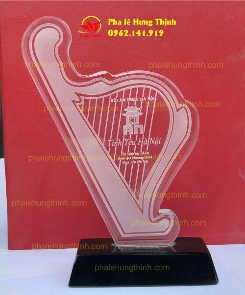 sản xuất kỷ niệm chương pha lê mẫu 17a