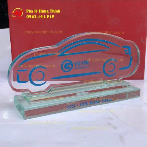 sản xuất kỷ niệm chương pha lê mẫu 5b