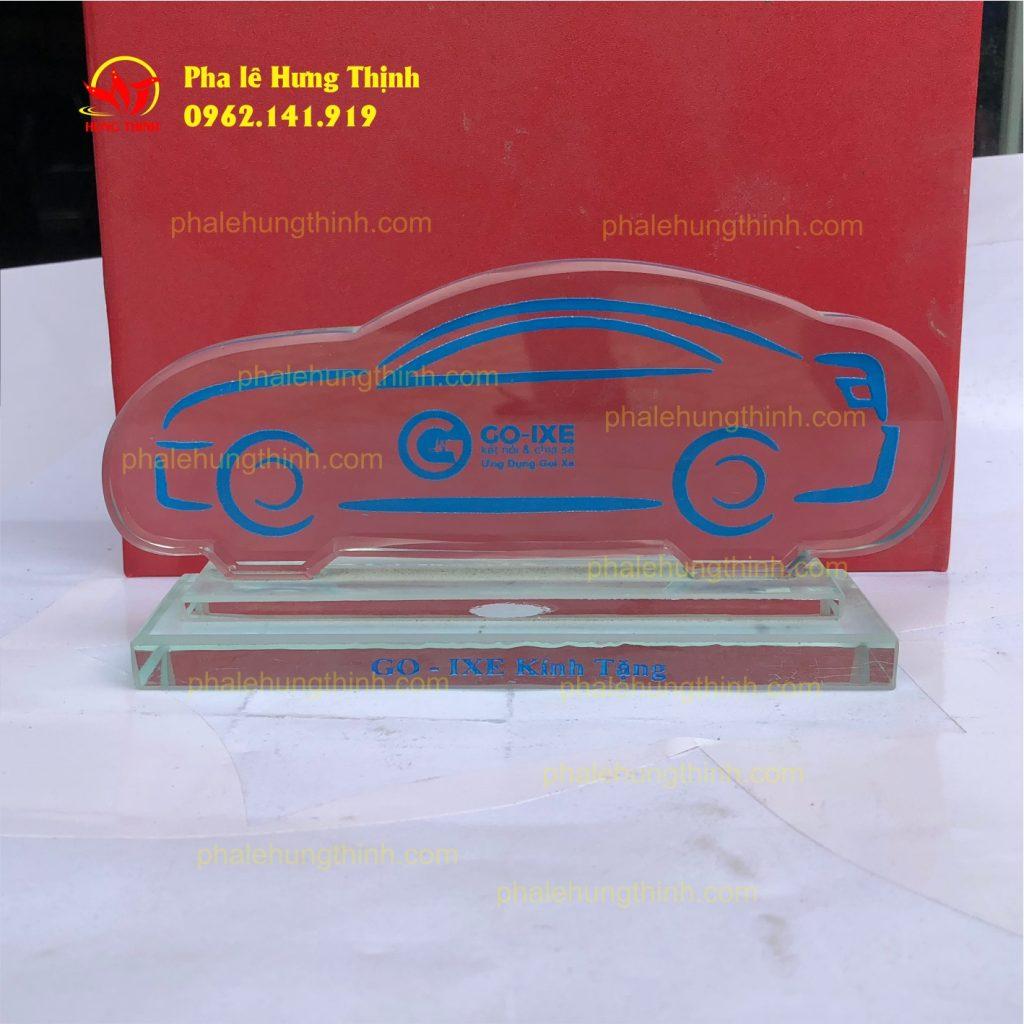 sản xuất kỷ niệm chương pha lê mẫu 5a