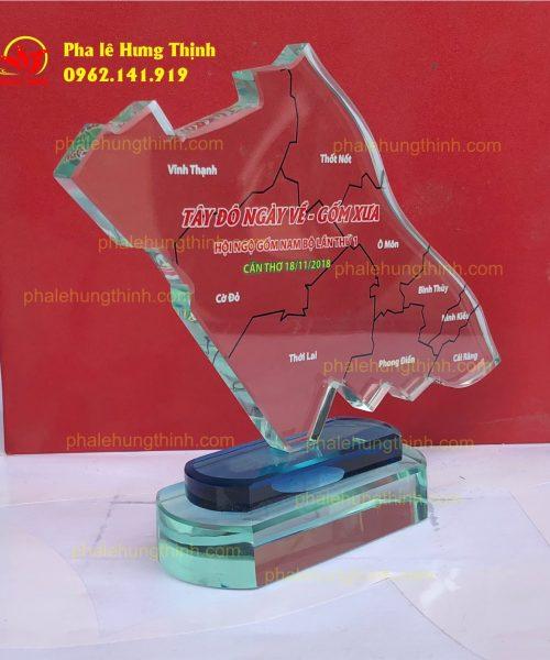 sản xuất kỷ niệm chương pha lê mẫu 9 a