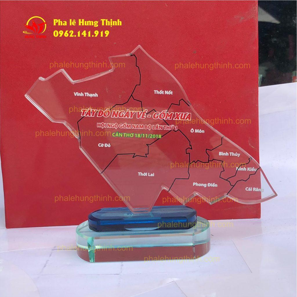 sản xuất kỷ niệm chương pha lê mẫu 9 b