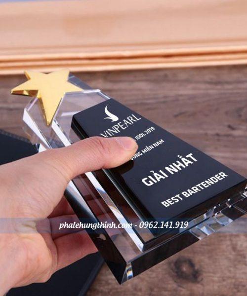 kỷ niệm chương pha lê ngôi sao 12a