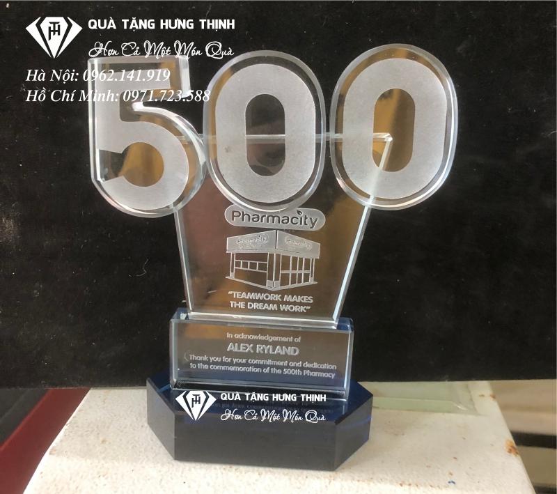 kỷ niệm chương kỷ niệm thành lập nhà thuốc thứ 500 của phamarcity