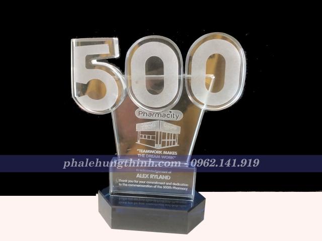 Kỷ Niệm Chương Pha Lê Nhà Thuốc 500