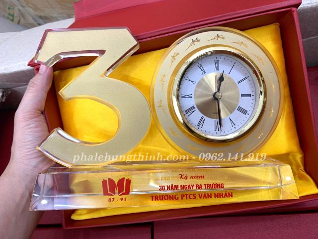 kỷ niệm chương pha lê bộ số 30